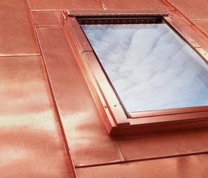 Dachfenster einbauen blechdach  Eindeckrahmen für Blechdach EEV/CU, EEV/TC - FAKRO